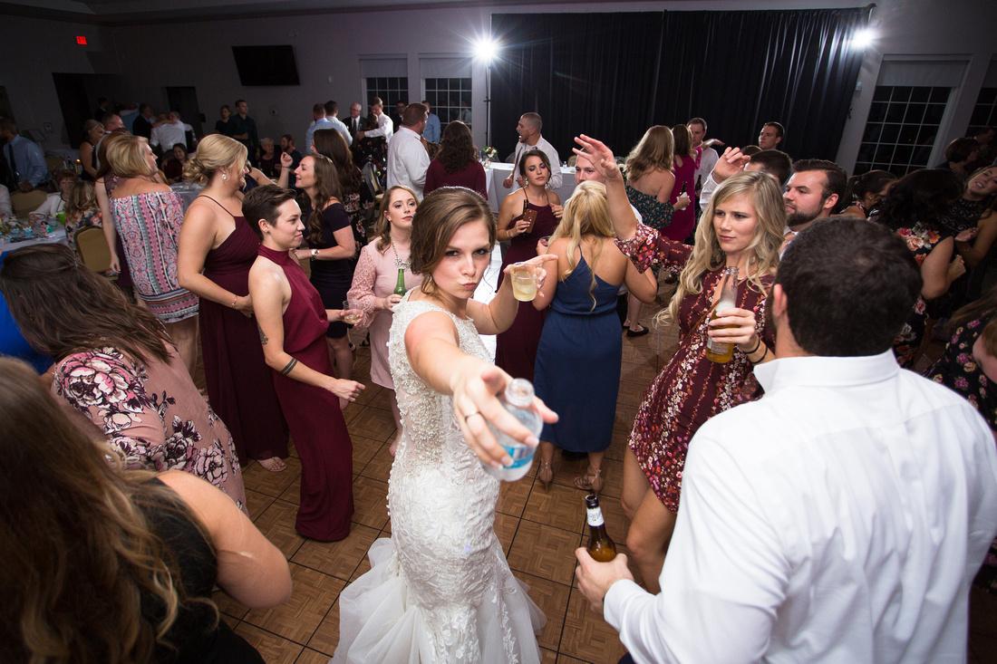 wedding, bride, photography, lorraine nuthak, hotshoeimage, hotshoe image capture, indiana, indianapolis, wedding photographer, cardinal room, golf course of indiana, indiana wedding photography, wedding cake, wedding dress, reception, fun, party